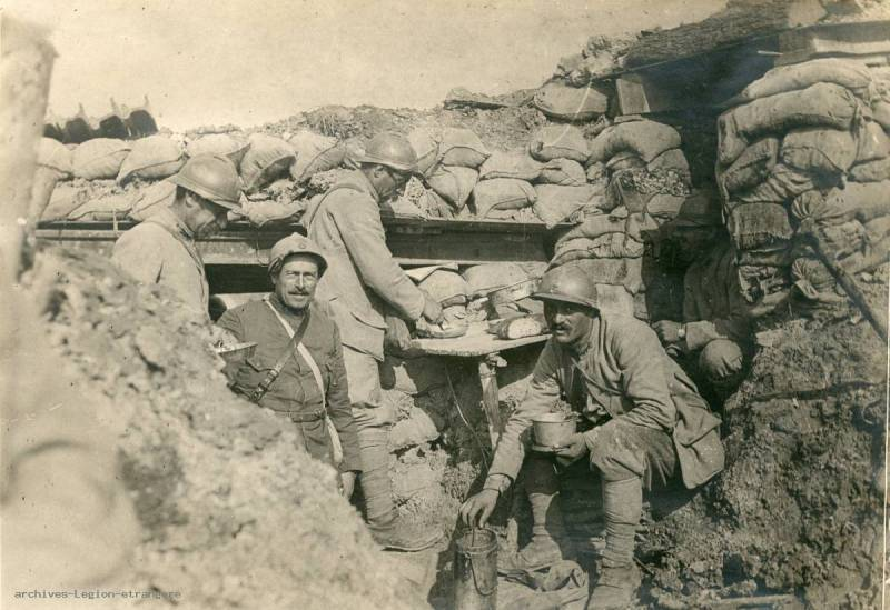 Photo Front de l'Aisne, poste de commandement sur le front